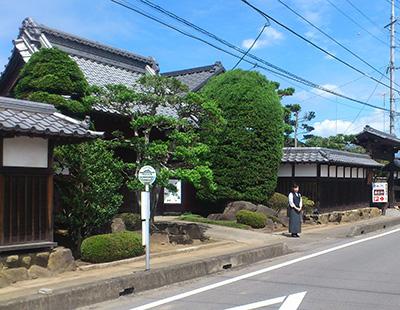 金田東バス停